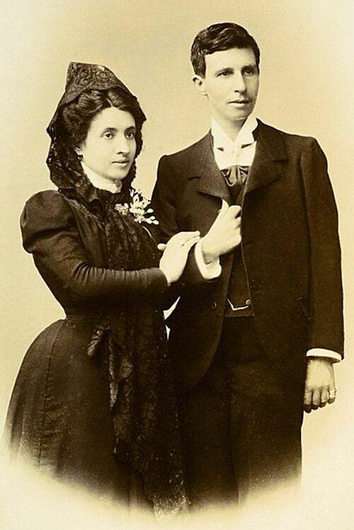 Vượt qua nhiều rào cản, hai người phụ nữ quyết định kết hôn.