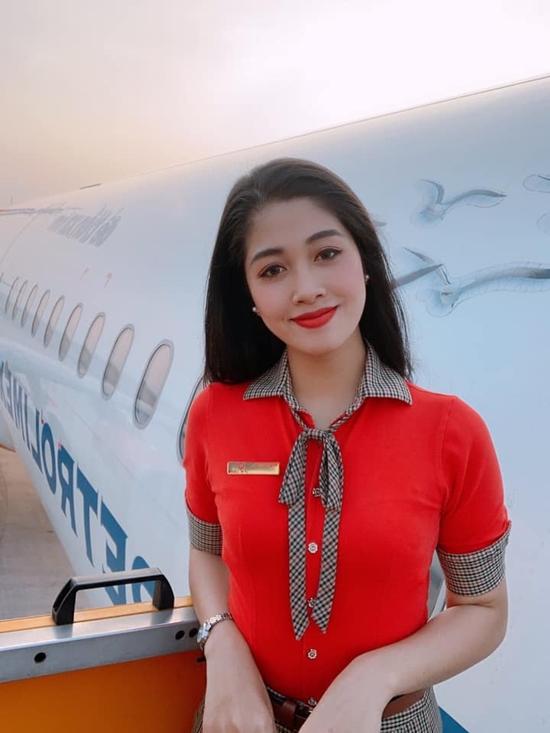 Đặng Vân Ly bắt đầu công việc tiếp viên hàng không Nữ tiếp viên hàng không vào chung kết Hoa hậu VN 2020