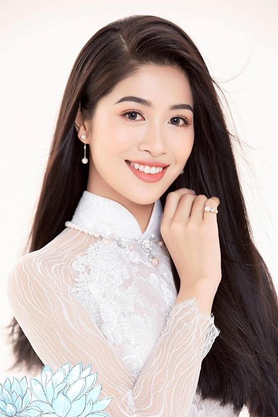 Gương mặt sáng, nụ cười tươi cũng là lợi thế của người đẹp. Nữ tiếp viên hàng không vào chung kết Hoa hậu VN 2020