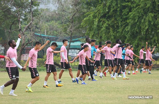 Chiều 13/10, CLB Hà Nội có buổi tập luyện trên sân phụ Mỹ Đình để chuẩn bị cho trận gặp HAGL ở lượt đấu thứ hai giai đoạn hai V-League 2020.