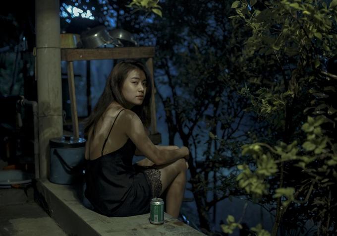 Trở lại điện ảnh sau nhiều năm vắng bóng, Hoàng Thùy Linh vào vai người mẹ đơn thân có xuất thân, bối cảnh sống phức tạp.