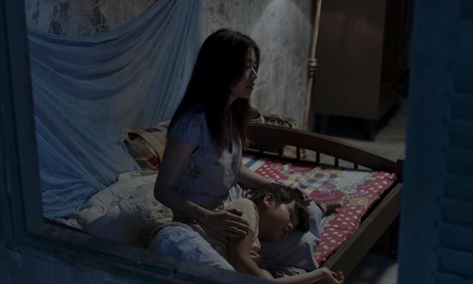 Hoàng Thùy Linh đóng mẹ của bé Hữu Khang trong phim Trái tim quái vật.