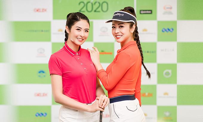 Mỗi lần đi tập golf, Ngọc Hân và Jennifer Phạm thường rủ nhau đi cùng. Trước đó, cả hai cũng thỉnh thoảng trò chuyện, gặp gỡ nên khá thân thiết. Gặp nhau tại sự kiện, hai người đẹp tíu tít trò chuyện không ngừng.