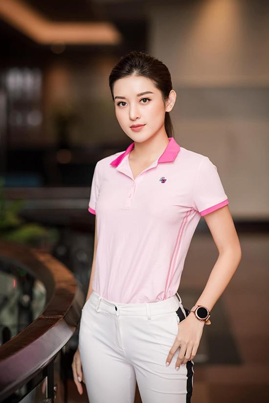 Sự kiện còn có sự tham gia của á hậu Huyền My. Giống như Ngọc Hân và Jennifer Phạm, Huyền My cũng mới tập golf được 4 tháng.