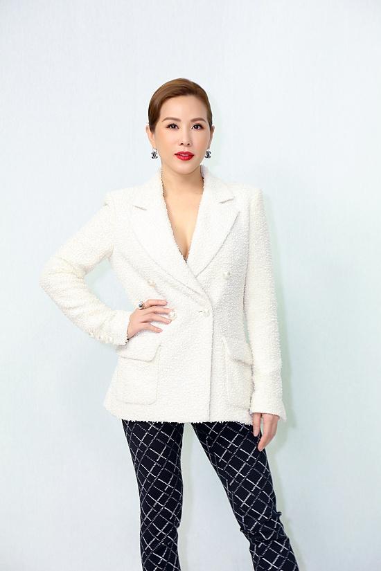 Hoa hậu Thu Hoài: Tôi chưa từng kết hôn nên không thể gọi là bốn đời chồng