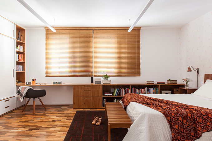 Khi tích hợp hai phòng ngủ làm một, không gian thoáng rộng hơn, đáp ứng nhiều hoạt động bên cạnh việc thư giãn, nghỉ ngơi.
