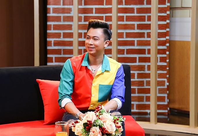 Hồ Việt Trung trải lòng về hành trình làm bố đơn thân trong chương trình Chuyện Của Sao được phát sóng vào 20h10 hôm nay ngày 17/10/2020 trên VTV9.