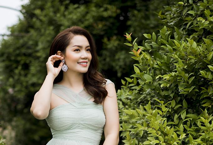 Nguyễn Ngọc Anh gợi ý váy áo điệu đà - 18