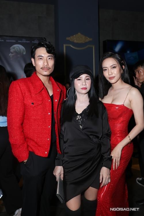 Vợ chồng Cát Phượng - Kiều Minh Tuấn cùng diễn viên hài Diệu Nhi (bìa phải) tại sự kiện.