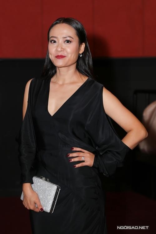 Diễn viên - nhà sản xuất - đạo diễn Hồng Ánh đóng vai vợ của Hứa Vĩ Văn trong phim.