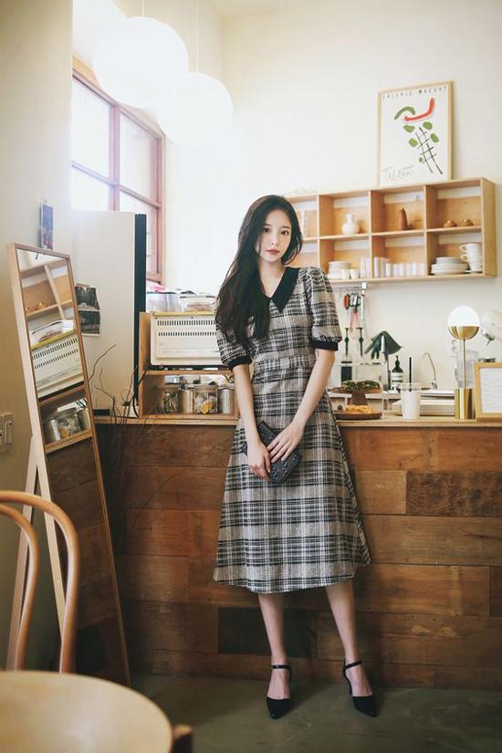 Đầm cổ điển mùa thu cho nàng công sở - 22