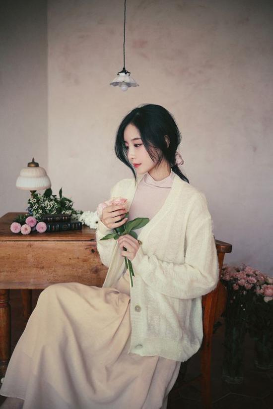 Đầm cổ điển mùa thu cho nàng công sở