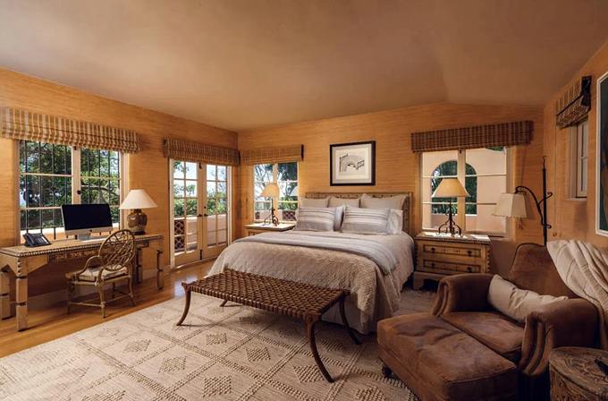 Một phòng ngủ khác kiểu cổ điển.