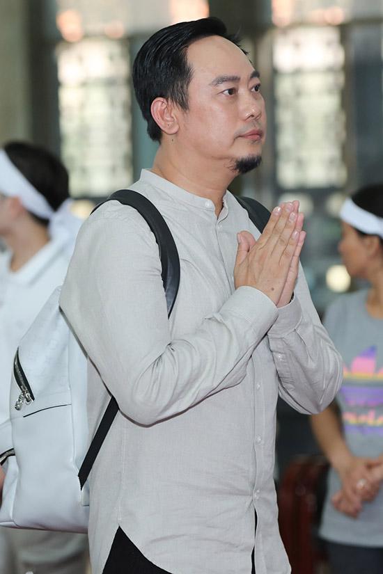 Nhà thiết kế Võ Việt Chung bất ngờ khi nghe tin nghệ sĩ Lý Huỳnh qua đời.