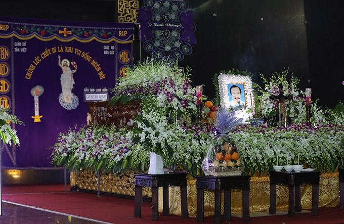 Ngày 24/10 thi hài NSND Lý Huỳnh sẽ được đưa đi an táng tại nghĩa trang Phúc An Viên, quận 9, TP HCM.