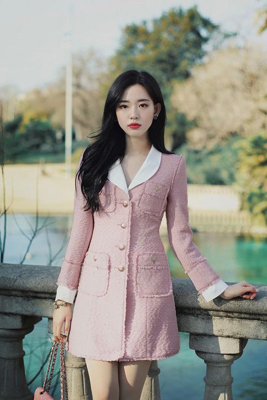 Blazer dress dành cho các quý cô công sở muốn thể hiện sự tinh tế và gu thẩm mỹ ưa nhìn khi đi làm.