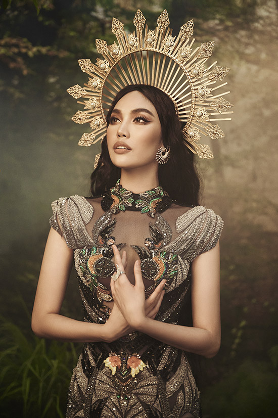 Bộ ảnh do chuyên gia trang điểm, làm tóc Quân Nguyễn - Pu Lê hỗ trợ thực hiện.