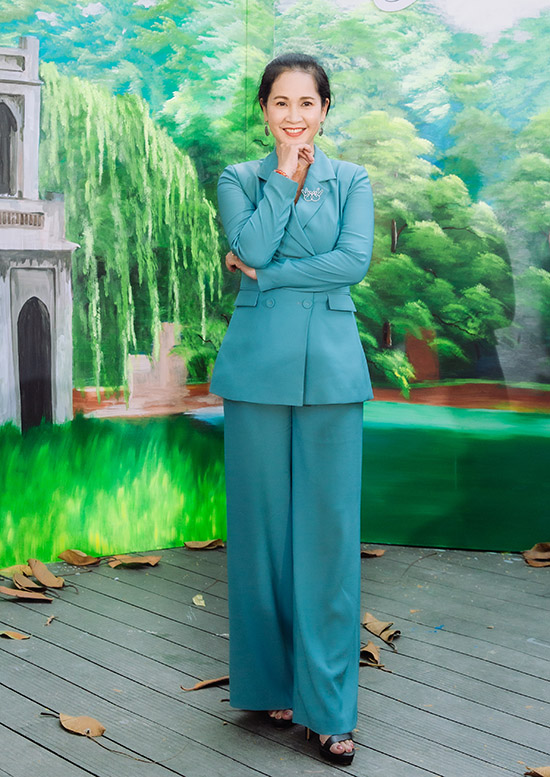 Nghệ sĩ Lan Hương của phim Sống chung với mẹ chồng hào hứng khi được mời cầm trịch một cuộc thi nhan sắc.