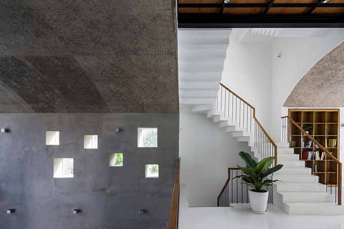 Sự đa dạng chất liệu tạo điểm mới lạ cho công trình.