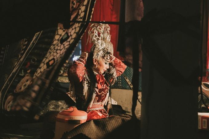 Phim tài liệu Đoạn trường vinh hoa hé lộ câu chuyện trên sân khấu và phía sau màn nhung của các nghệ sĩ tuồng cổ miền Tây.