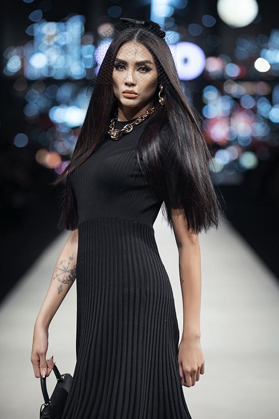 Võ Hoàng Yến nổi bật trong show Đỗ Mạnh Cường - 2