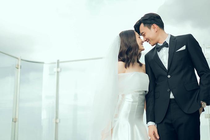 Ca sĩ Bảo Anh làm cô dâu bên diễn viên Quốc Trường trong một dự án mới. Fan của cả hai liền tích cực đẩy thuyền mong cả hai thành cặp.