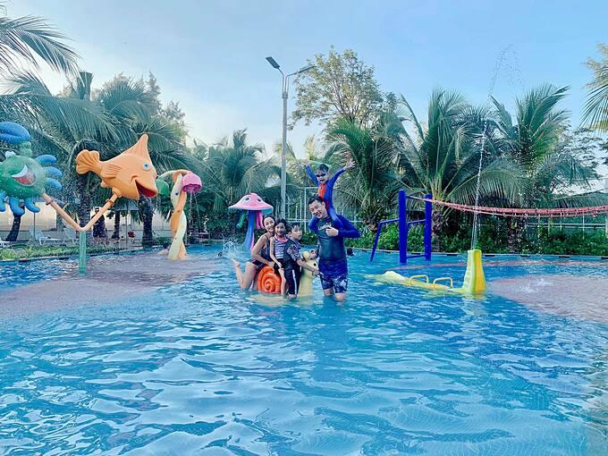 Gia đình Ốc Thanh Vân vui nhộn khi nghỉ dưỡng ở Vũng Tàu.