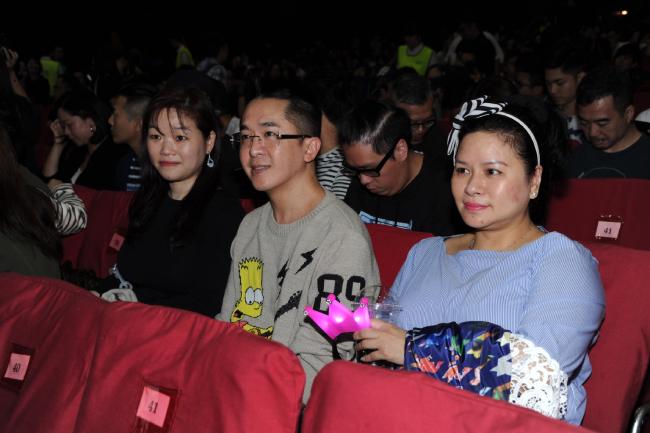 Đặng Triệu Tôn và hai người phụ nữ gắn bó với anh lâu nhất là Carmen và Cherry.