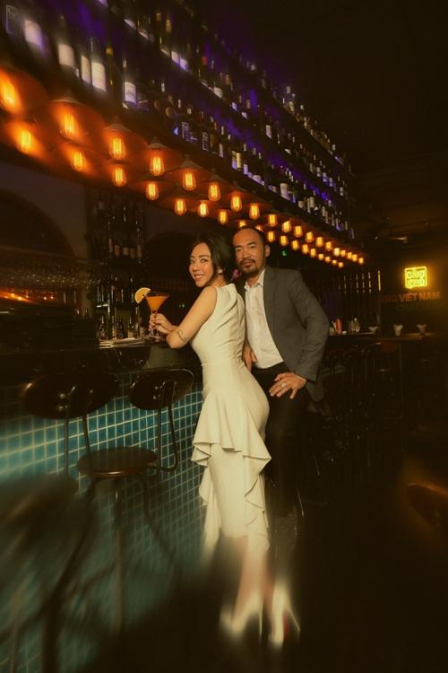 Cùng thời điểm này, vợ chồng Thu Trang - Tiến Luật cho ra mắt web drama Chuyện xóm tui do hai người đóng chính.