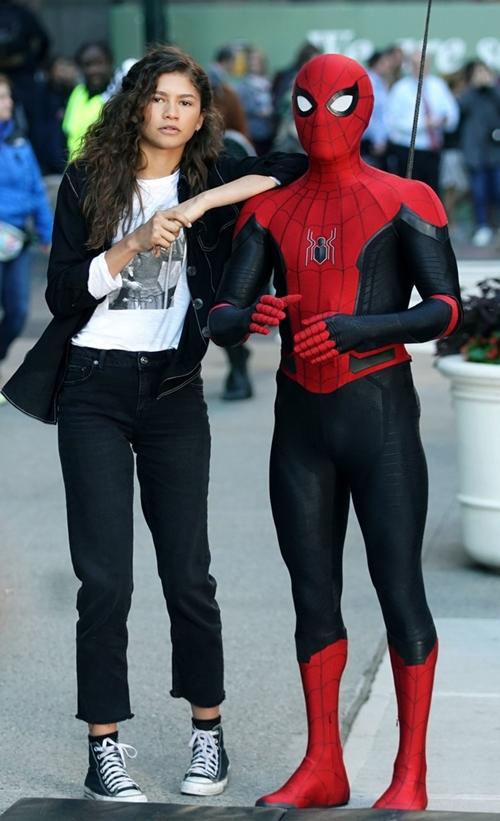 Zendaya tiếp tục đồng hành cùng Tom Holland trong Spider-Man 3.