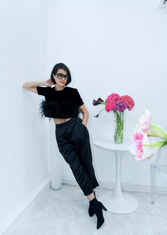 Bộ sưu tập The Black Rose của Hà Linh Thư sẽ được trình diễn vào ngày 29/10 thuộc chương trình Runway Fashion Week 2020 của đạo diễn catwalk Xuân Lan.