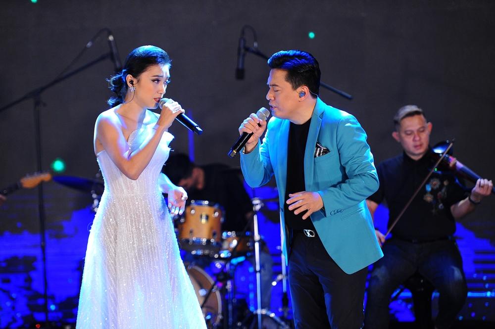 Tiêu Châu Như Quỳnh góp mặt song ca cùng cậu ruột. Vợ con ủng hộ Lam Trường làm show