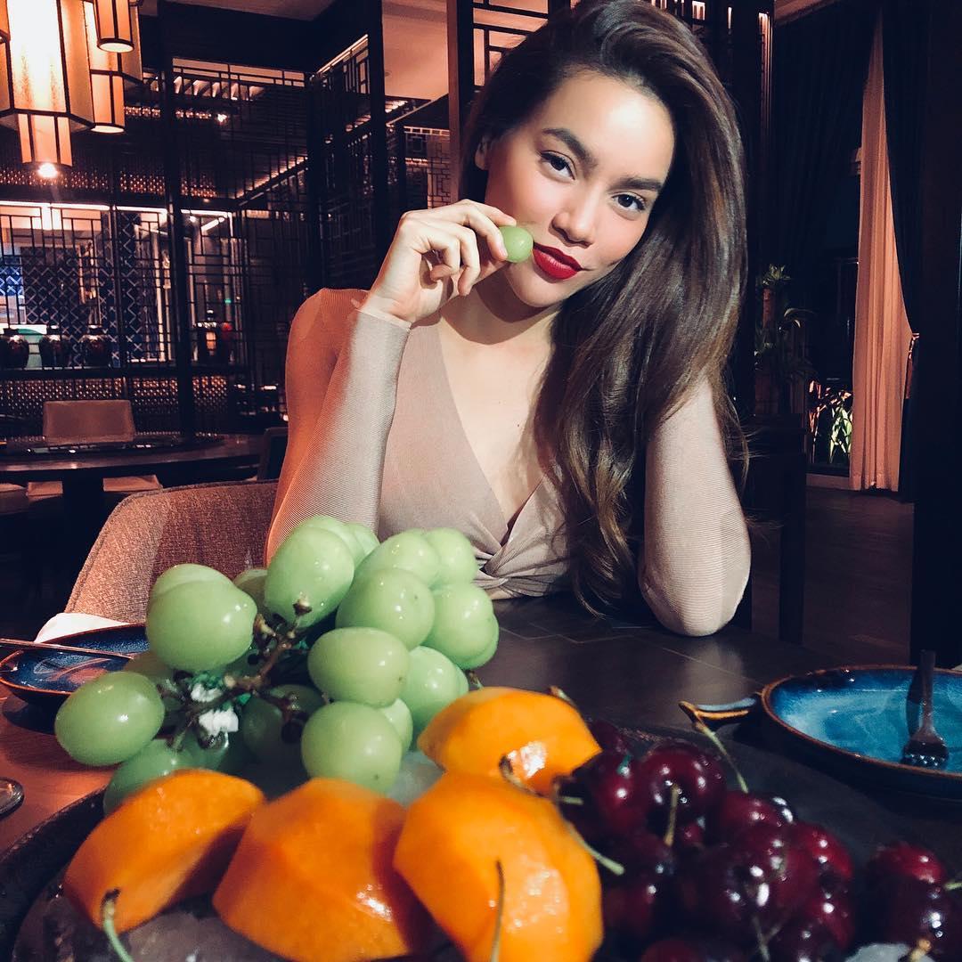 Nữ ca sĩ duy trì thói quen ăn uống lành mạnh, tích cực tập gym, yoga từ nhiều năm nay.