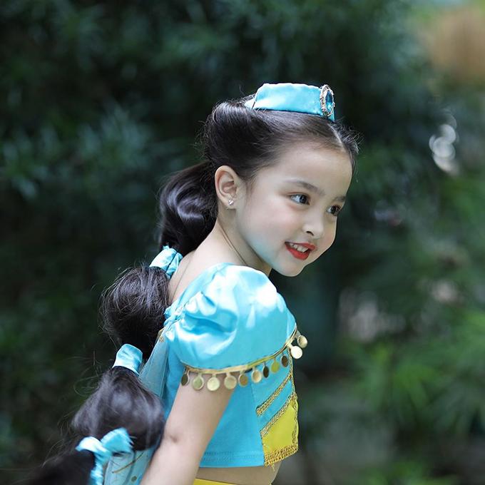 Nhân ngày lễ Halloween, mỹ nhân đẹp nhất Philippines - Marian Rivera đã hóa trang cho con gái thành công chúa Jasmine trong truyện cổ tích.