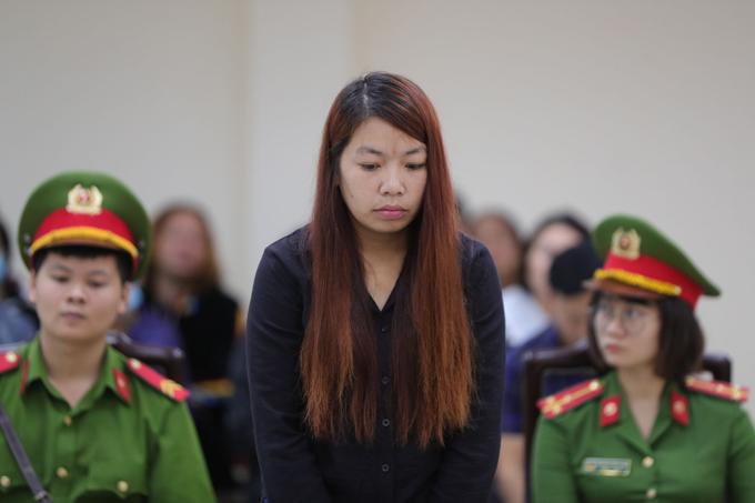 Nguyễn Thị Thu tại phiên xét xử sáng 30/10 ở TAND tỉnh Bắc Ninh.