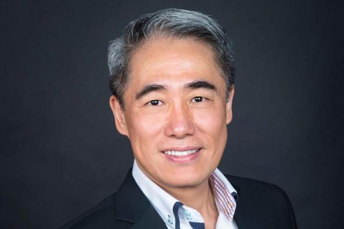 Cựu phó giáo sư trường Đại học công nghệ Nanyang Shi Xu. Ảnh: Nanofilm Technologies.