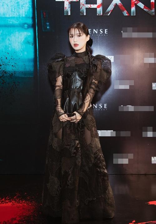 Ca sĩ gốc Hàn thể hiện ca khúc nhạc phim.