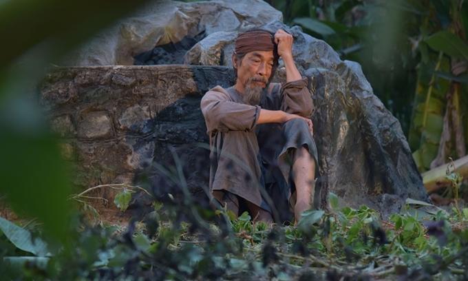 Nghệ sĩ Viết Liên vào vai Lão Hạc trong phim Cậu Vàng.