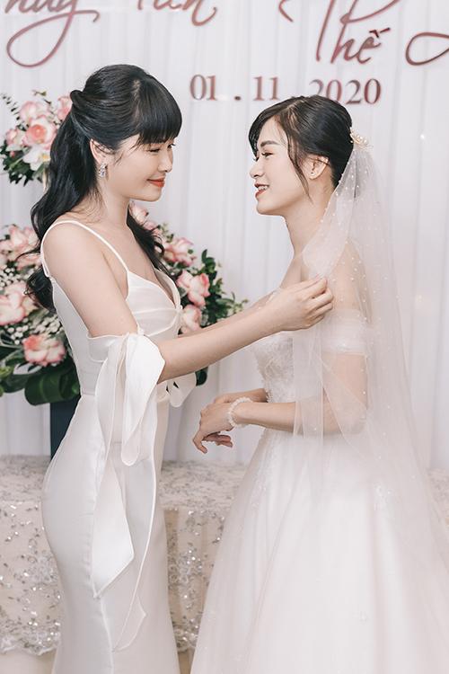3 tháng trước cưới, hot mom Thuỷ Anh gợi ý Thuỷ Tiên về ekip wedding planner từng tổ chức cho đám cưới của cô và ca sĩ Đăng Khôi, giúp em tư vấn nhiều công đoạn chuẩn bị cho hôn lễ.