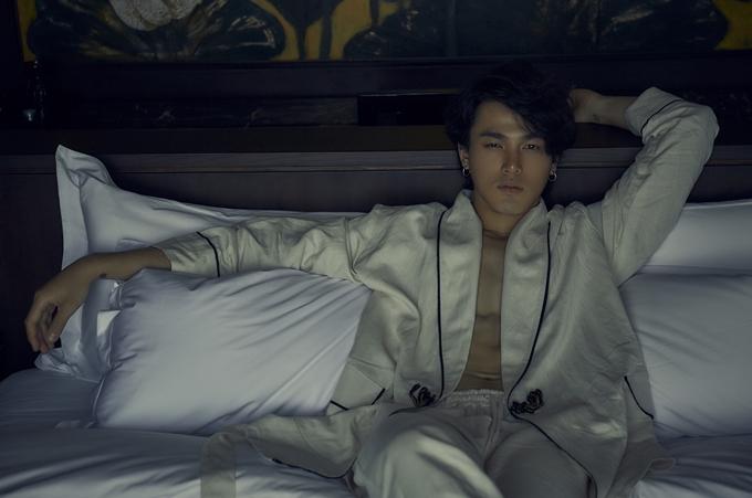 Diễn viên trẻ Khương Lê lần đầu chạm ngõ điện ảnh, là một phát hiện mới của hai đạo diễn Gái già lắm chiêu V.