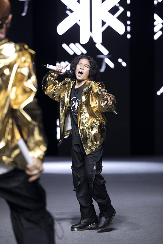 Kelvin là con trai của nhà thiết kế Thanh Huỳnh. Em là ngôi sao nhí xuất hiện trong nhiều chương trình truyền hình bởi khả năng chơi trống thiện nghệ.