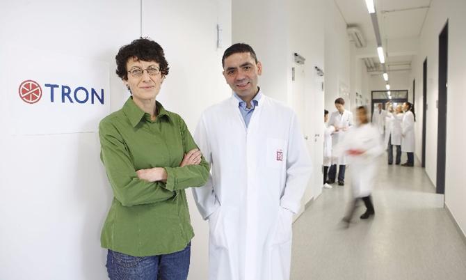 Vợ chồng nhà sáng lập BioNTech: Bà Oezlem Tuereci và ông Ugur Sahin. Ảnh: BioNTech.