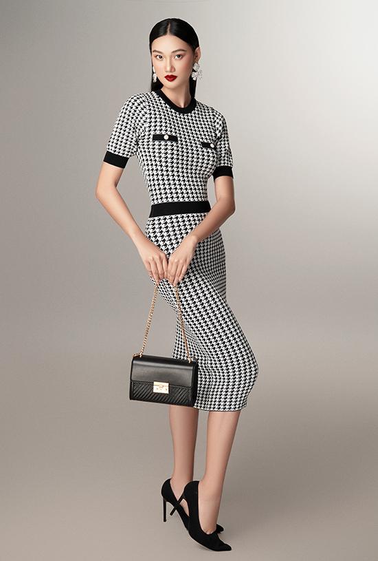Sau hơn 10 năm Đỗ Mạnh Cường theo đuổi dòng thời trang cao cấp, SIXDO đánh dấu một bước ngoặt mới của anh với trang phục ứng dụng có mức giá tầm trung, phù hợp thu nhập của số đông người Việt Nam. Dẫu vậy, anh vẫn đảm bảo chất lượng cao cấp cho sản phẩm, đồng thời đem tới lựa chọn phong phú cho khách hàng.