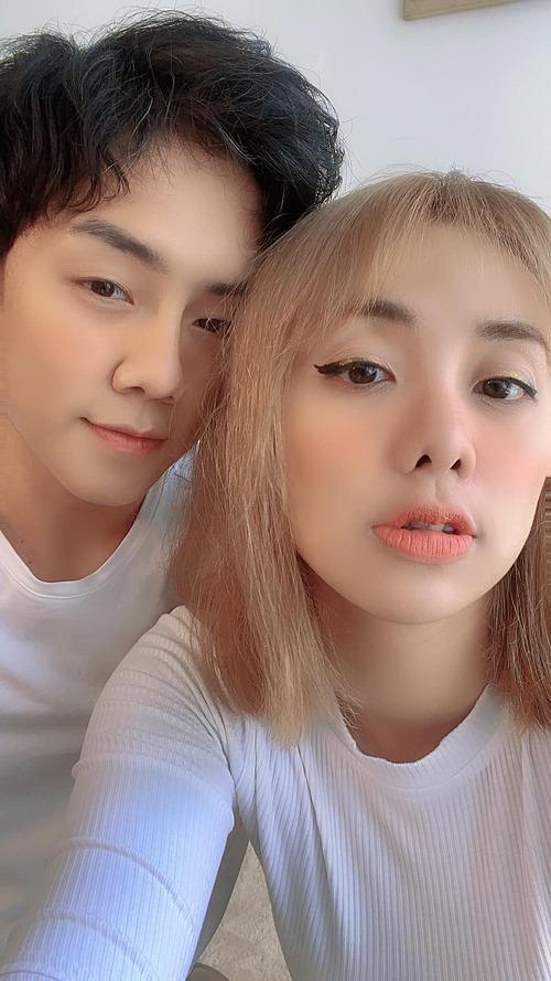 Miko Lan Trinh tình cảm bên bạn trai chuyển giới.