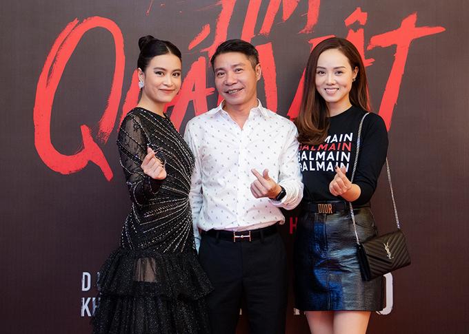NSND Công Lý đi cùng bạn gái kém 15 tuổi Ngọc Hà. Ở ngoài đời, Hoàng Thùy Linh gọi nghệ sĩ là chú và coi anh như một người thầy trong nghề.