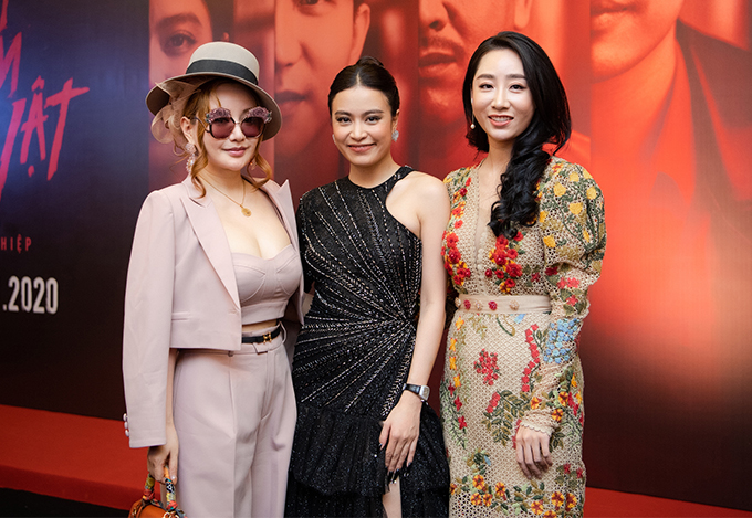 MC Việt Nga (trái) và diễn viên Thùy Anh Nhà trọ Balanha.
