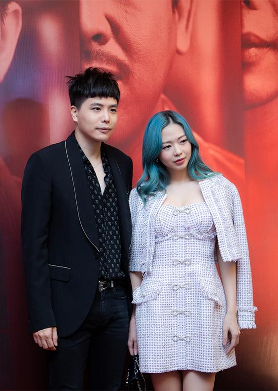 Ca sĩ Trịnh Thăng Bình cũng đảm nhận một vai diễn trong phim Trái tim quái vật. Anh đi cùng bạn gái cũ, ca sĩ Liz Kim Cương đến sự kiện ở Hà Nội.