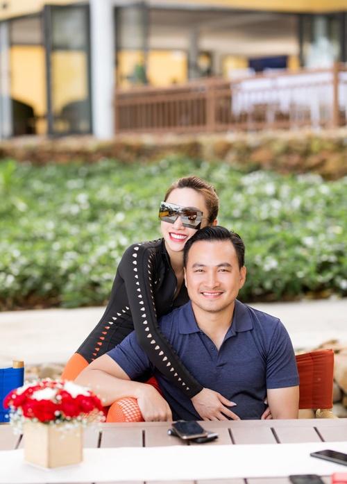 Diễn viên Chi Bảo và bạn gái kém 16 tuổi.