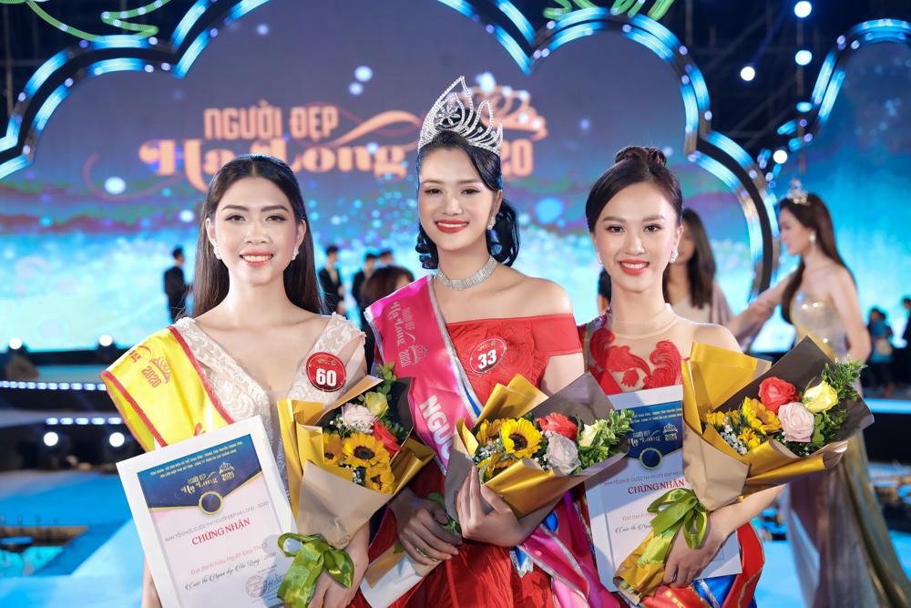 Đứng cạnh hai á khôi, Trần Thị Mai