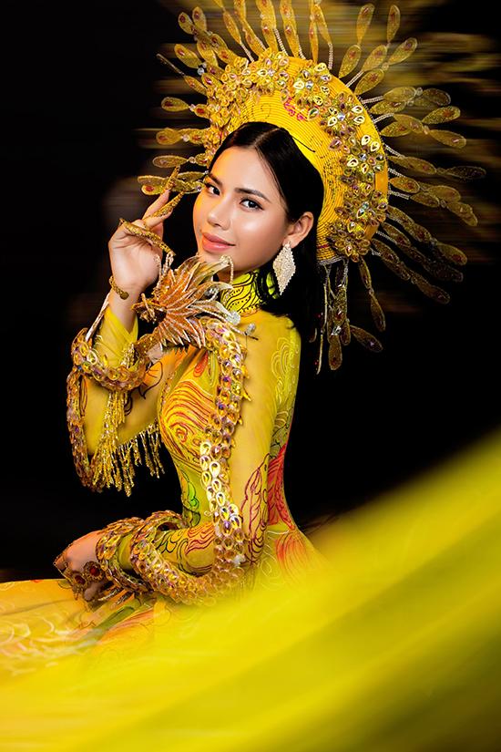 Không đạt thành tích cao ở cuộc thi Hoa hậu Hoàn vũ Việt Nam 2018 và xin rút khỏi bán kết Hoa hậu Việt Nam 2020 nhưng Minh Tâm vẫn được một số nhà thiết kế mời làm mẫu ảnh, trình diễn thời trang.